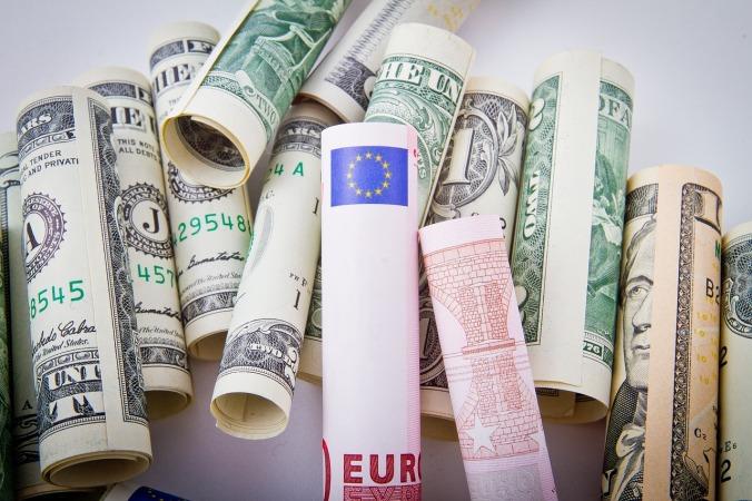 Euro Dollar The European Union United States