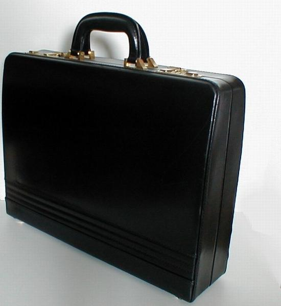 1751-black-leather-briefcase-on-a-white-background-pv
