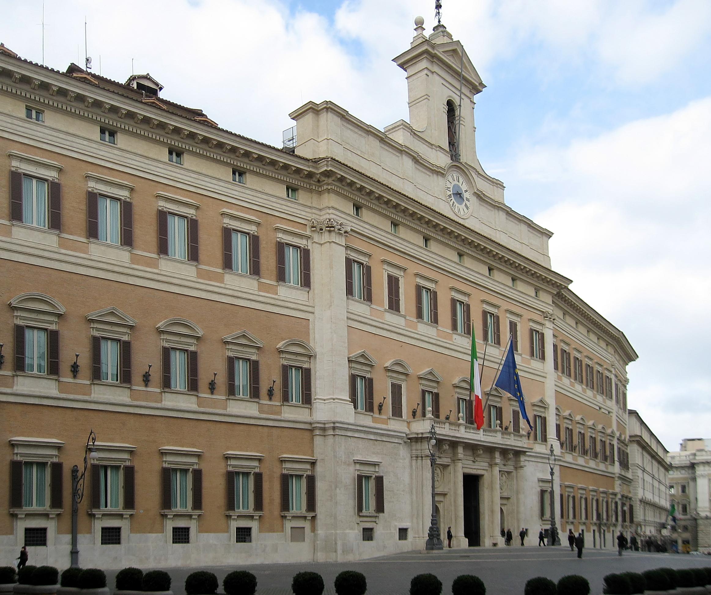 Palazzo_Montecitorio_Rom_2009